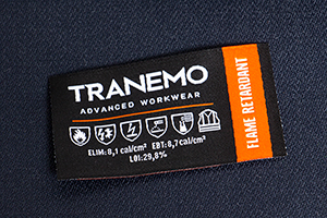 The FR-emblem indicates the Arc-Rating of the garment and which standards it approves for.